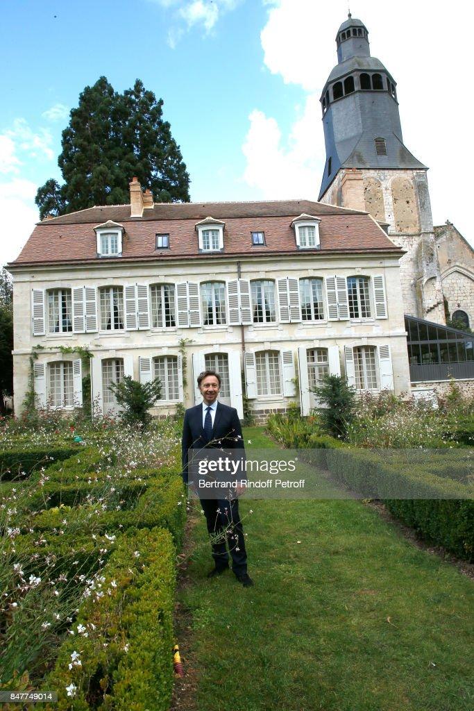 """Members Of The Stephane Bern's Foundation For """"L'Histoire Et Le Patrimoine"""" Visit The College Royal Et Militaire De Thiron-Gardais"""