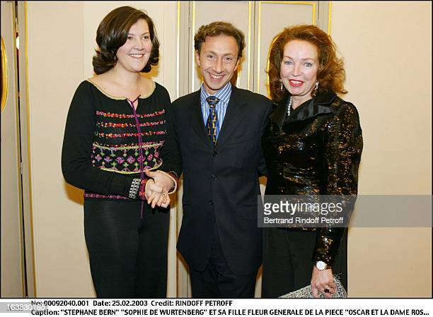 Stephane Bern Sophie De Wurtenberg and her daughter Fleur Preview of the play Oscar et la Dame Rose at the Comedie Des Champs Elysees Paris
