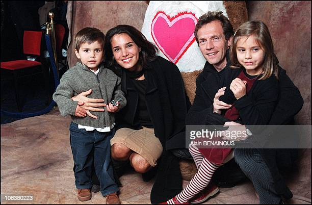 Stephane Freiss wife Ursula and son Ruben and daughter Camille in France on November 10 2001