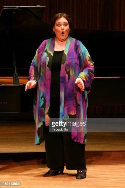 Stephanie Blythe mezzosoprano in recital at Alice Tully Hall on Sunday afternoon January 16 2005