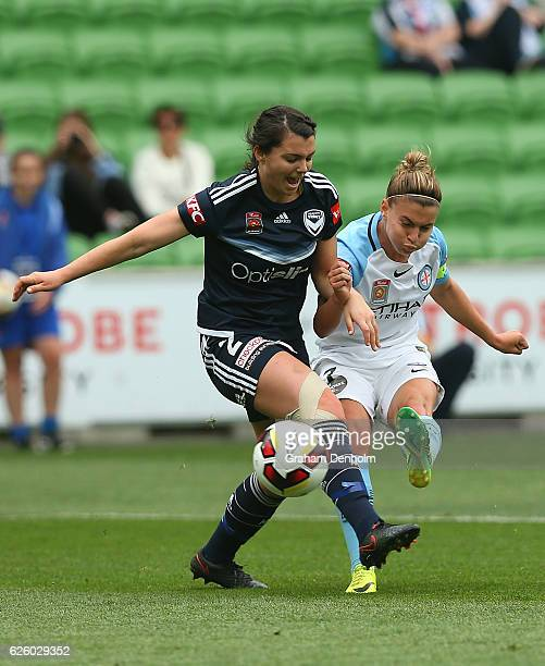 Stephanie Catley of Melbourne City shoots on goal during the round four ALeague match between Melbourne City FC and Melbourne Victory at AAMI Park on...