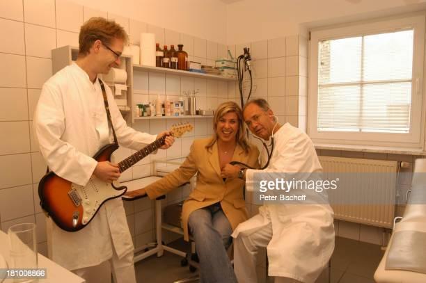 Stephanie de Kowa Dr Kampf Dr Vilsmeier Landshut Sängerin Arzt Praxis Doktor Gitarre Instrument Promis Prominente Prominenter