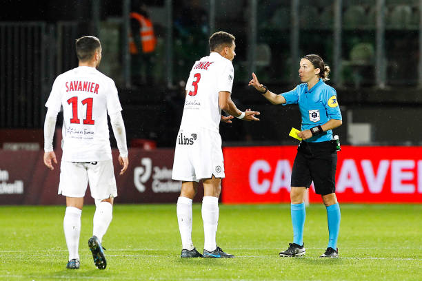 MHSC -EQUIPE DE MONTPELLIER -LIGUE1- 2019-2020 - Page 3 Stephanie-frappart-referee-and-daniel-congre-of-montpellier-during-picture-id1179700494?k=6&m=1179700494&s=612x612&w=0&h=6ddxi_p2dUrDm0uO1BBZsXOwt1JYwAoGPmTi-8VHDCE=