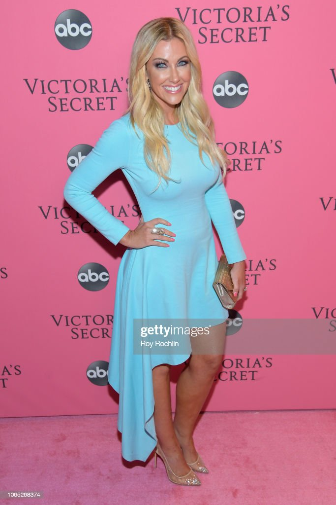 2018 Victoria's Secret Fashion Show - Arrivals : News Photo