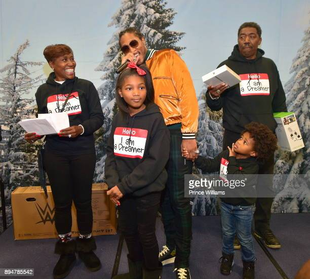 Stephanie Jester Londyn Wilburn Future Future Zahir Wilburn and Eddie Jester attend the 5th annual FreeWishes Foundation Winter Wishland at Bessie...