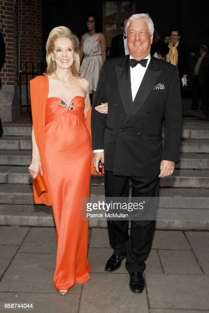 Stephanie Krieger and Ryan Stewart attend the Wildlife Conservation Society's Central Park Zoo '09 Gala at the Central Park Zoo on June 10 2009 in...