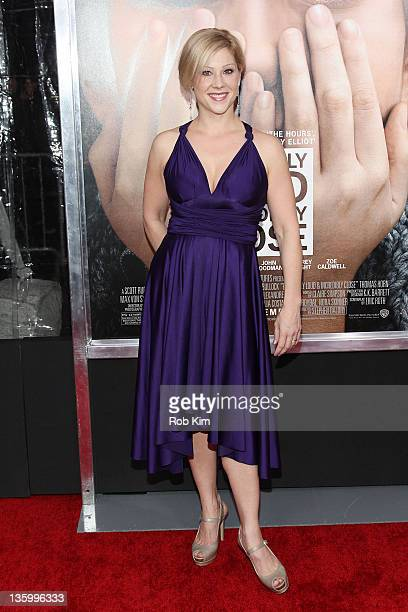 Stephanie Kurtzuba attends the Extremely Loud Incredibly Close New York premiere at the Ziegfeld Theater on December 15 2011 in New York City