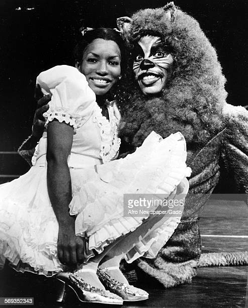 Stephanie Mills as Dorothy and Gregg Baker as the Lion in The Wiz 1984