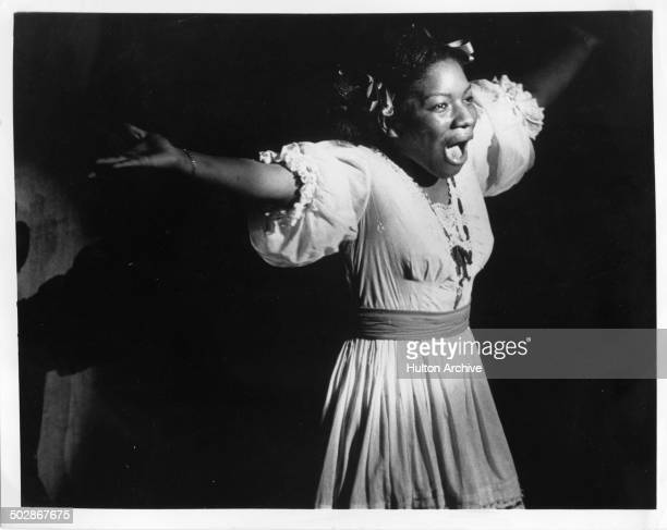 Stephanie Mills as Dorothy sings in the Broadway play The Wiz circa 1975