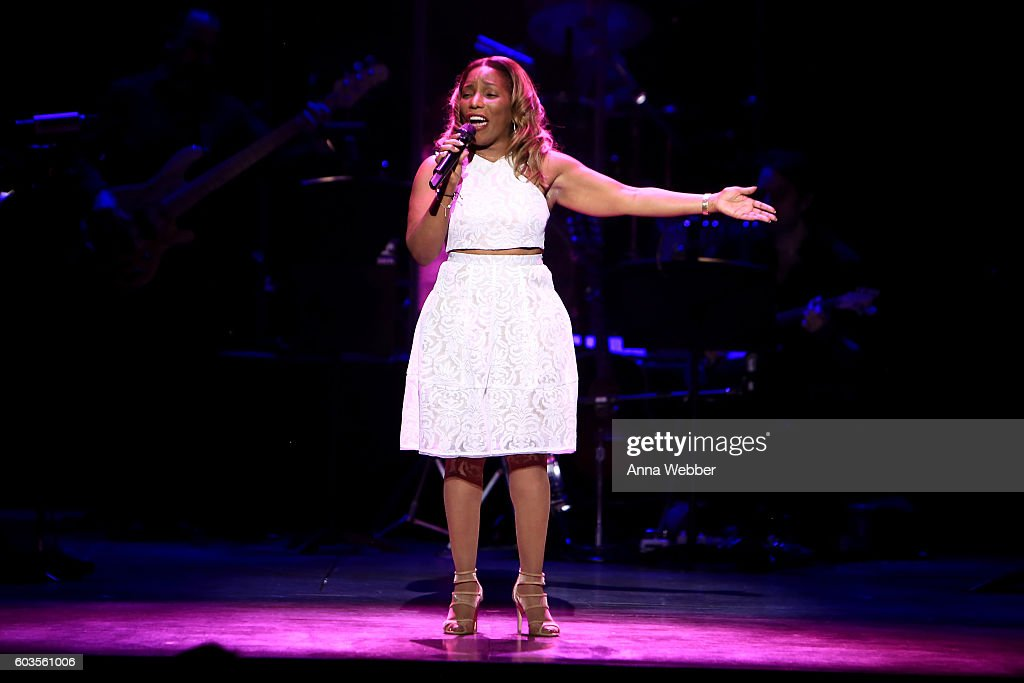 2nd Annual Voices For The Voiceless:  Stars For Foster Kids Benefit - Inside : News Photo