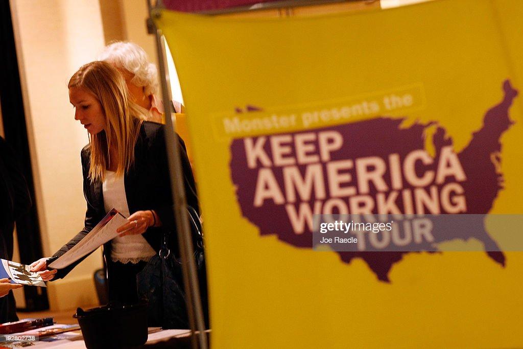 Job Seekers Attend Career Fair : News Photo