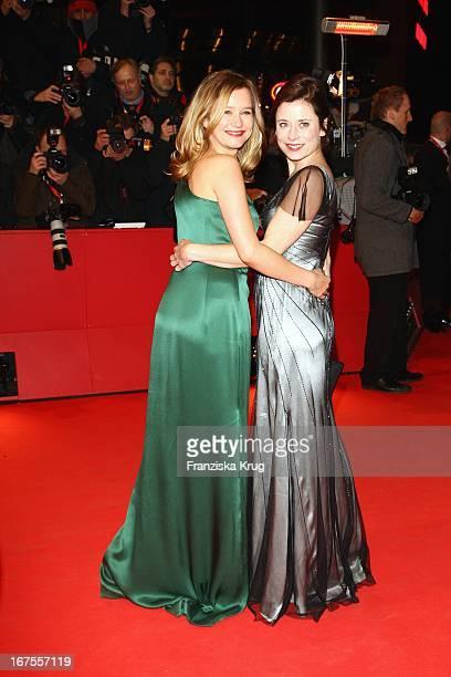 """Stephanie Stappenbeck Und Inka Friedrich Bei Der """"The International"""" Premiere Bei Der 59. Berlinale In Berlin"""