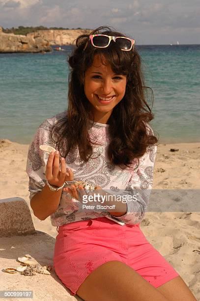 Stephanie Stumph Dreharbeiten zum 2teiligen ZDFFilm 'Die Muschelsucher' Cala dœOr Mallorca Spanien Europa PNr 1254/2005 Urlaub Meer Wasser Strand...