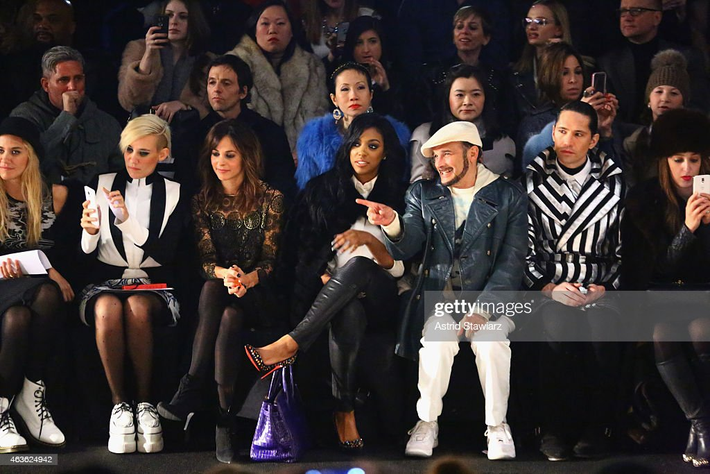 Vivienne Tam - Front Row - Mercedes-Benz Fashion Week Fall 2015 : News Photo