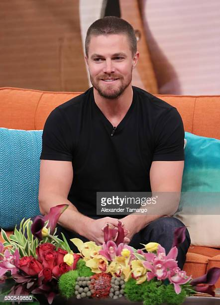 Stephen Amell is seen on the set of Univision's morning show 'Despierta America' to promote the film 'Teenage Mutant Ninja Turtles Out of the...