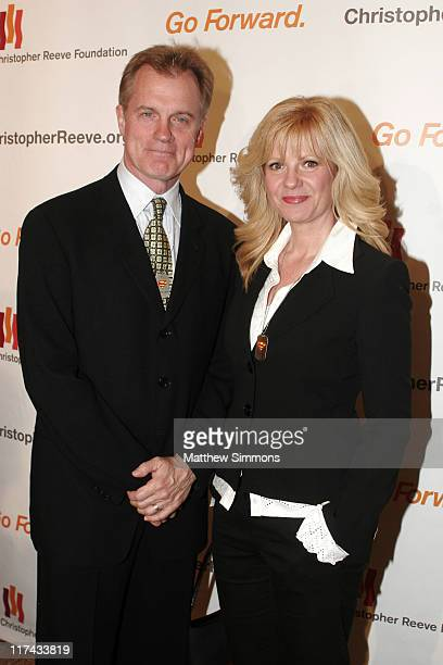 Stephen Collins and Bonnie Hunt during Christopher Reeve Foundation Fundraiser Beverly Hills September 27 2006 at Beverly Hilton Hotel in Beverly...