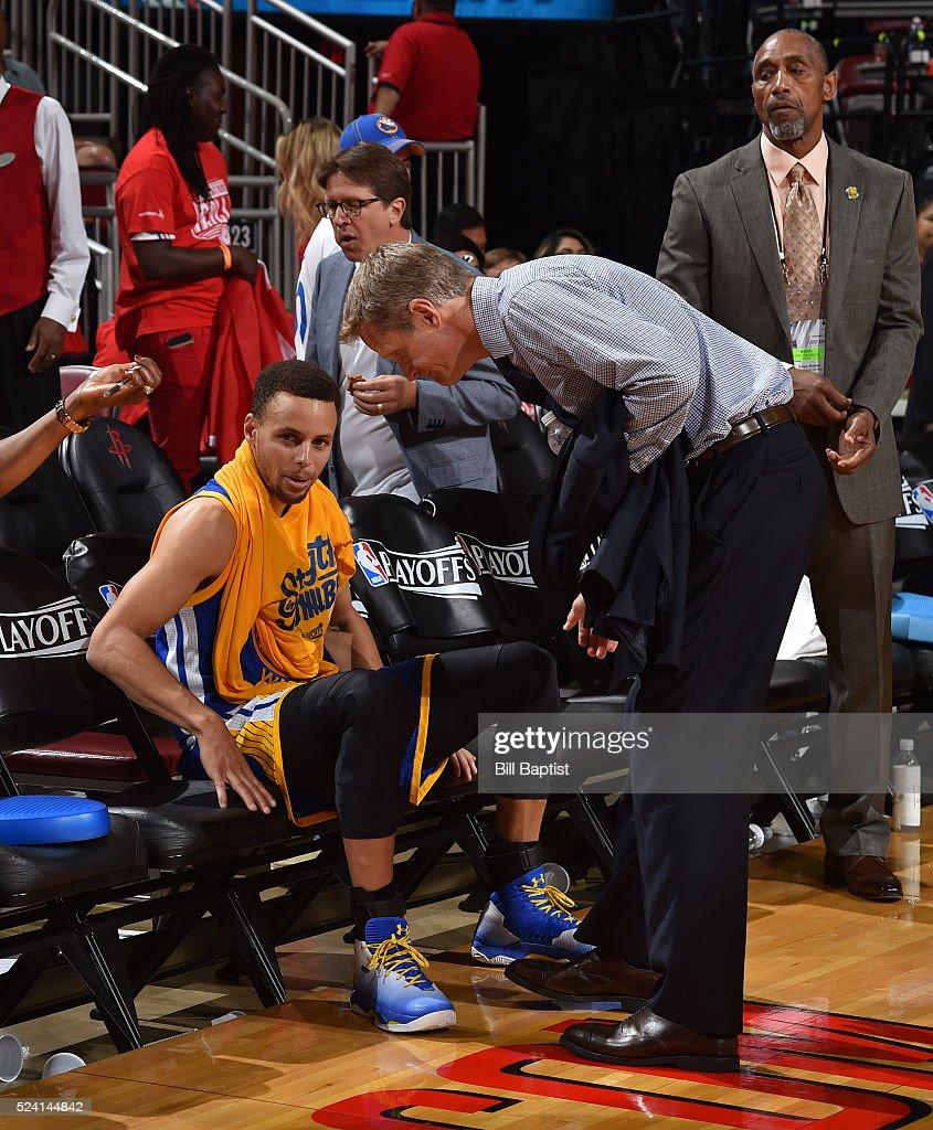 Golden State Warriors v Houston Rockets - Game Four : News Photo