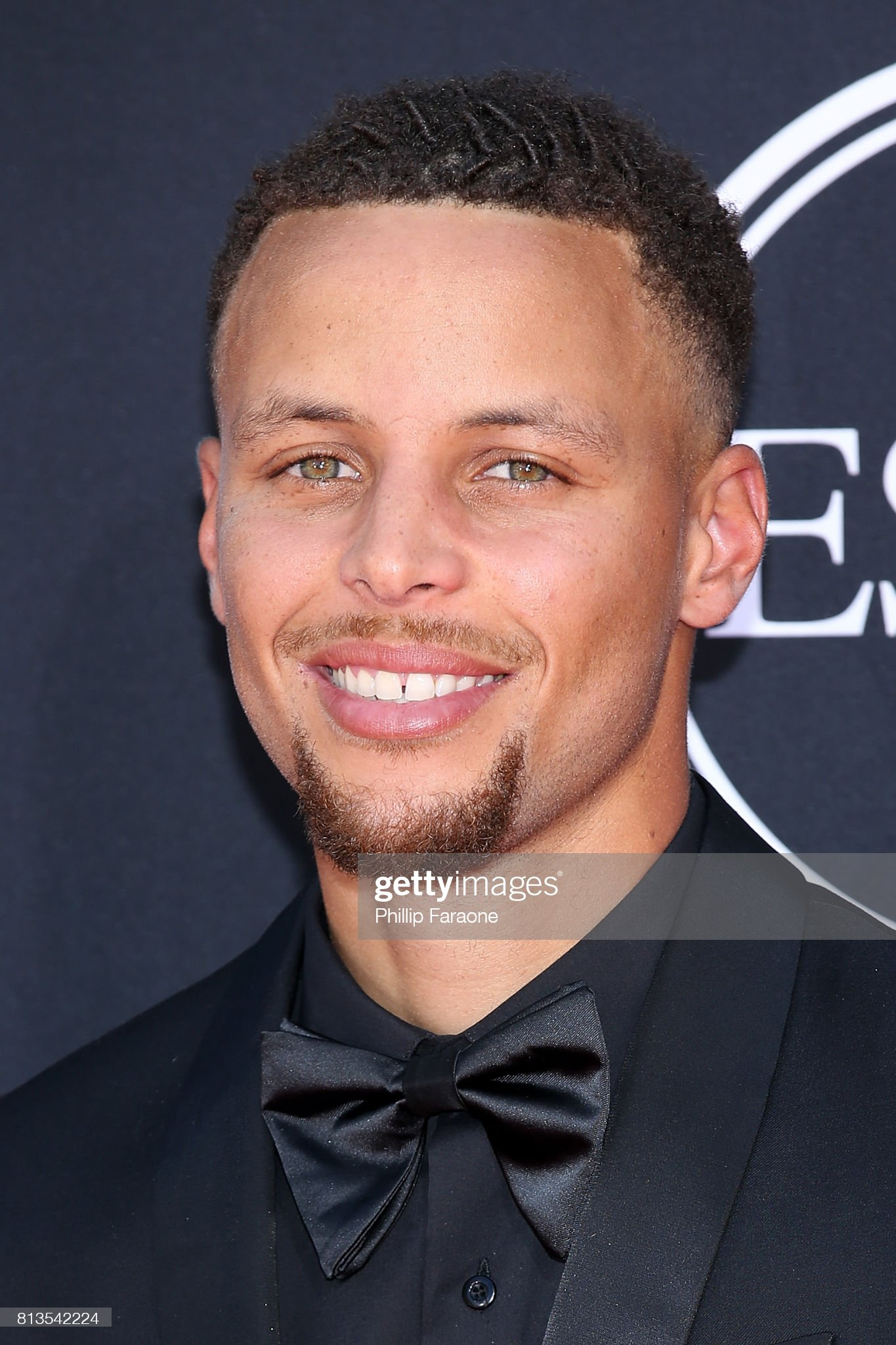 Hazel eyes - Personas famosas con los ojos de color AVELLANA Stephen-curry-attends-the-2017-espys-at-microsoft-theater-on-july-12-picture-id813542224?s=2048x2048