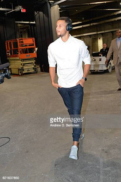 Stephen Curry of the Golden State Warriors arrives at the STAPLES Center before the game against the Los Angeles Lakers on November 4 2016 in Los...