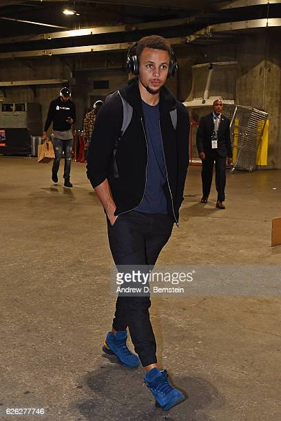 Stephen Curry of the Golden State Warriors arrives at the Staples Center before the game against the Los Angeles Lakers on November 25 2016 in Los...