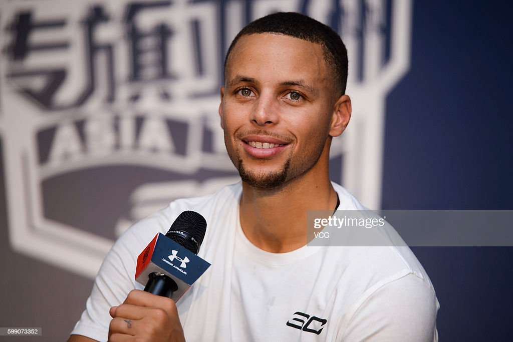 Stephen Curry Visits Guangzhou : News Photo