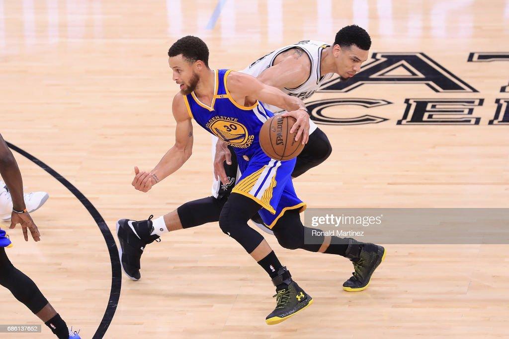 Golden State Warriors v San Antonio Spurs - Game Three : News Photo
