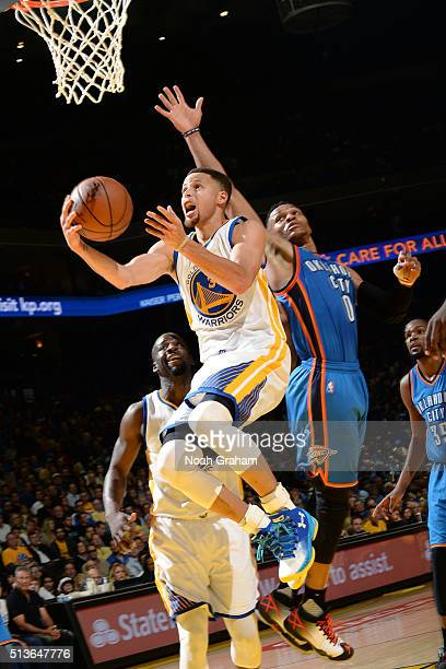 Stephen Curry of the Golden State Warriors goes for the layup during the game against the Oklahoma City Thunder on March 3 2016 at ORACLE Arena in...