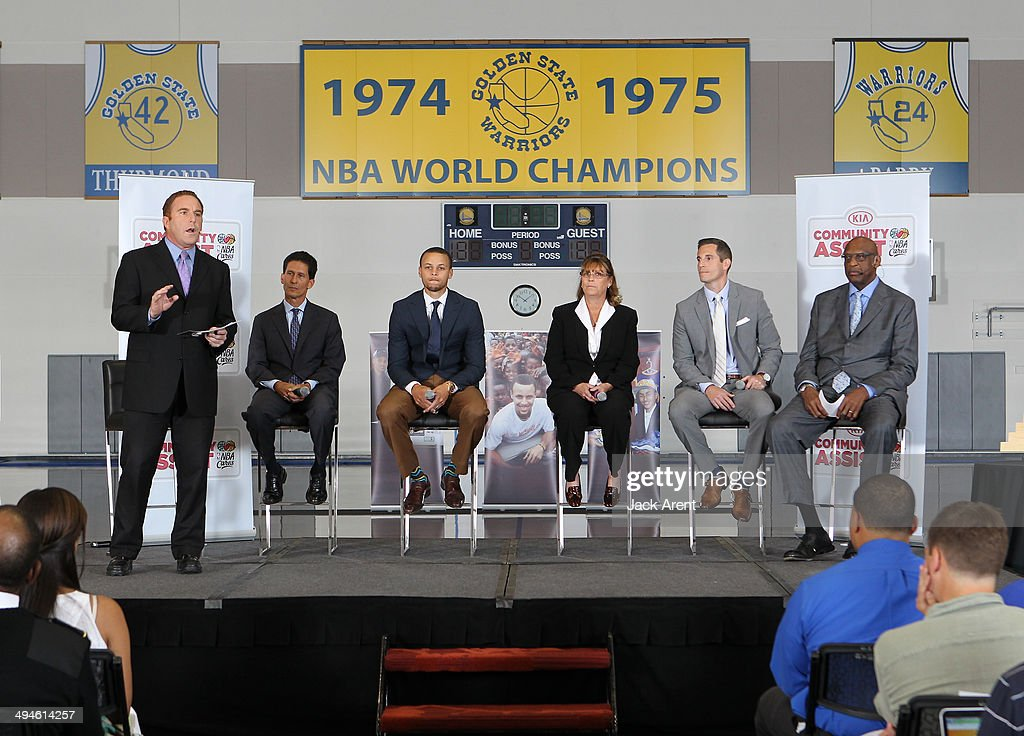 Stephen Curry #30 of the Golden State Warriors, is awarded the KIA Community Assist Seasonlong Award on May 29, 2014 in Oakland, California.