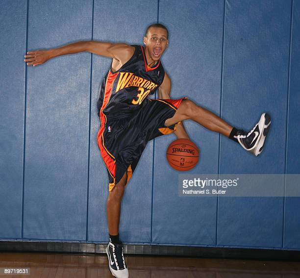 Stephen Curry of the Golden State Warriors poses during the 2009 NBA rookie portrait shoot at the MSG training facility August 9, 2009 in Tarrytown,...