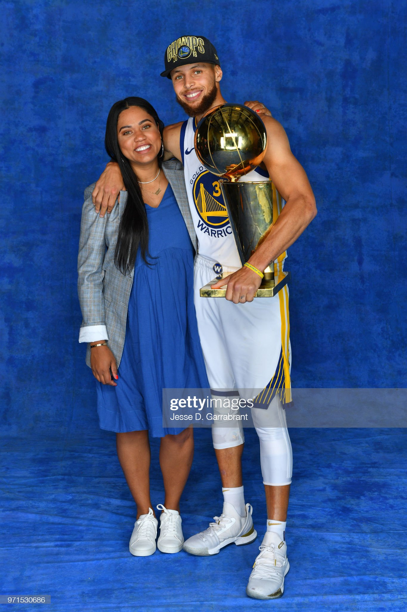 ¿Cuánto mide Ayesha Curry? - Real height Stephen-curry-of-the-golden-state-warriors-poses-for-a-portrait-with-picture-id971530686?s=2048x2048