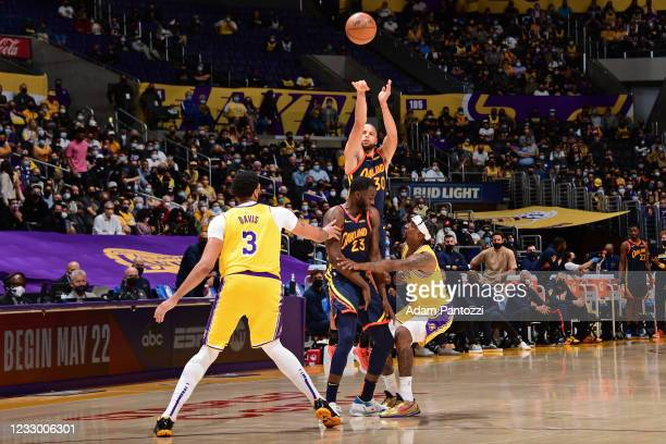 Stephen Curry of the Golden State Warriors shoots a three point basket against the Los Angeles Lakers during the 2021 NBA Play-In Tournament on May...