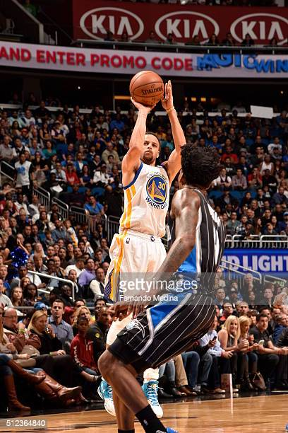 Stephen Curry of the Golden State Warriors shoots against the Orlando Magic on February 25 2016 at Amway Center in Orlando Florida NOTE TO USER User...