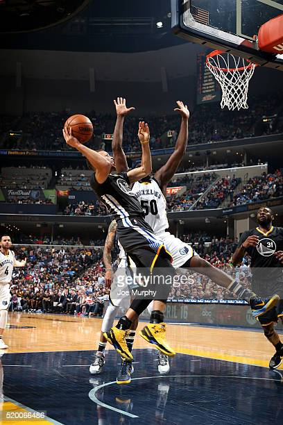 Stephen Curry of the Golden State Warriors shoots the ball during the game against the Memphis Grizzlies on April 9 2016 at FedExForum in Memphis...