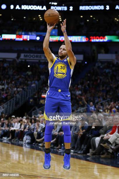 Stephen Curry of the Golden State Warriors shoots the ball during the second half of a game against the New Orleans Pelicans at the Smoothie King...