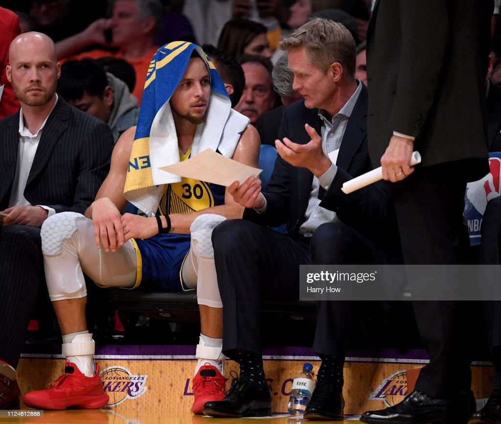 Golden State Warriors v Los Angeles Lakers : News Photo