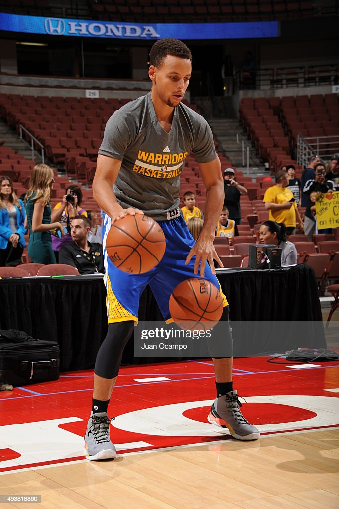 Stephen Curry #30 of the Golden State Warriors warms up before the game against the Los Angeles Lakers on October 22, 2015 at Honda Center in Anaheim, California.
