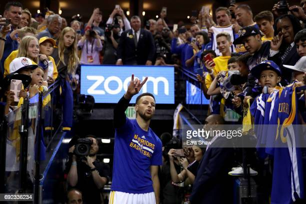 Stephen Curry of the Golden State Warriors warms up prior to Game 2 of the 2017 NBA Finals against the Cleveland Cavaliers at ORACLE Arena on June 4...