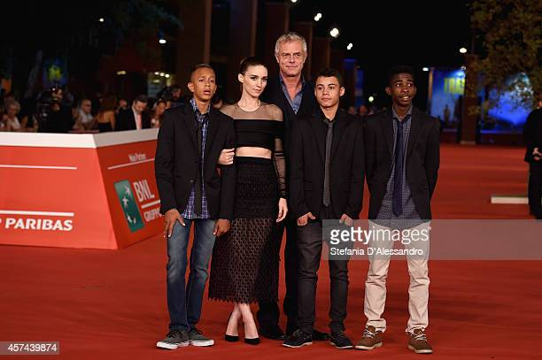 Stephen Daldry Eduardo Luis Rooney Mara Gabriel Weinstein and Rickson Tevez attends the 'Trash' Red Carpet during The 9th Rome Film Festival at...