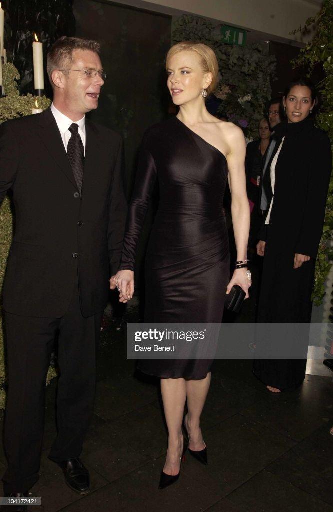 Stephen Daldry (director) & Nicole Kidman, 'The Hours' Uk Charity Movie Premiere Held At The Chelsea Cinema In London.