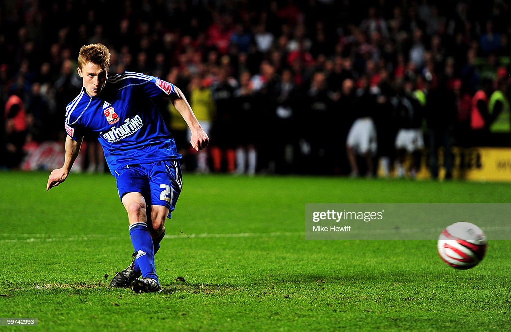 Stephen Darby of Swindon scores the decisive penalty during the Coca-Cola League One Playoff Semi Final 2nd Leg between Charlton Athletic and Swindon Town at The Valley on May 17, 2010 in London, England.
