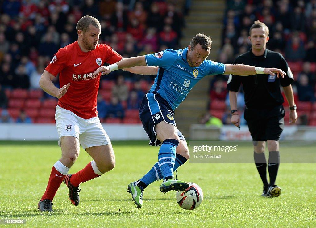 Barnsley v Leeds United - Sky Bet Championship : News Photo