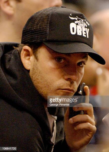 Stephen Dorff during Lara Flynn Boyle and Stephen Dorff Attend the Washington Wizards vs Toronto Raptors Game November 2 2005 at Air Canada Centre in...