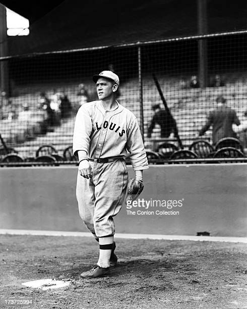 Stephen F O'Neill of the St Louis Browns throwing a ball in 1927