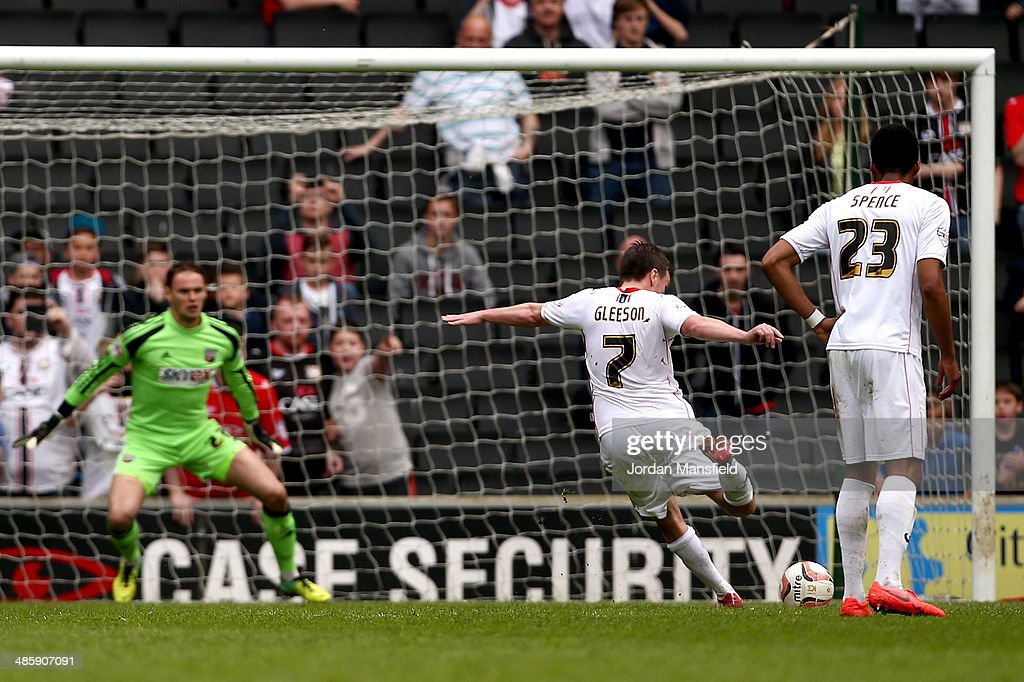 Stephen Gleeson of MK Dons scores from the penalty spot to make it 1-2 during the Sky Bet League One match between MK Dons and Brentford at Stadium mk on April 21, 2014 in Milton Keynes, England.