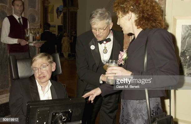 Stephen Hawking and David Hockney attend the Royal Academy Annual Dinner at the Royal Academy Of Arts on June 2 2004 in London The event previews...