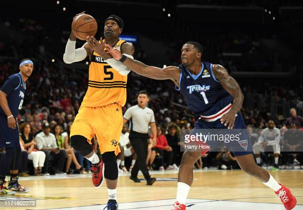 Stephen Jackson of Killer 3s is defended by Joe Johnson of the Triplets during the BIG3 Championship at Staples Center on September 01, 2019 in Los...