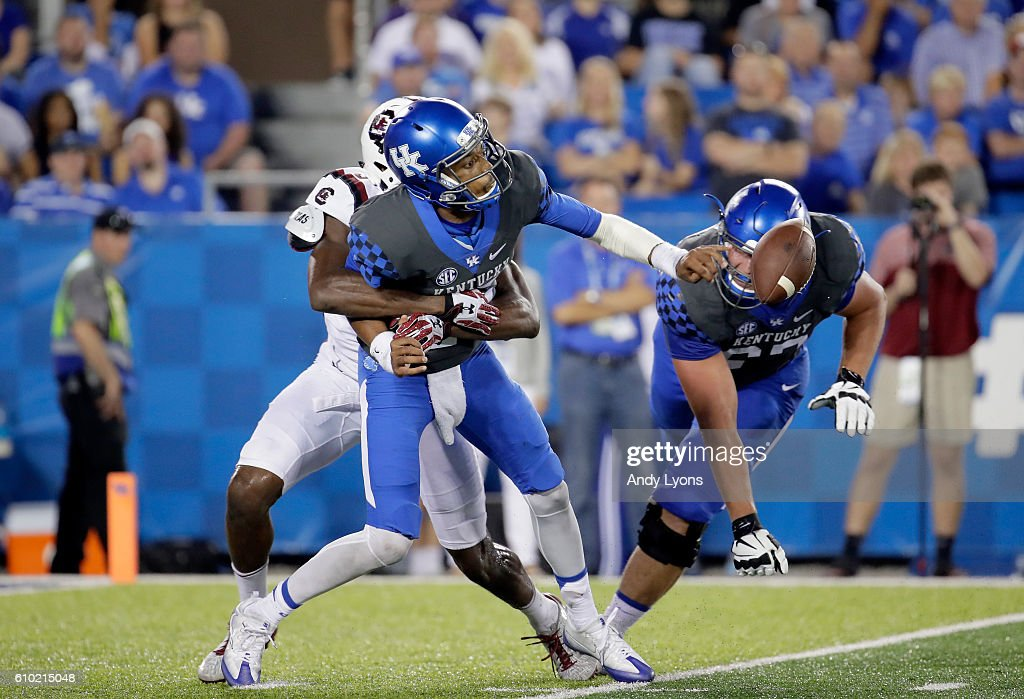 Stephen Johnson#15 of the Kentucky Wildcats throws the ball against the South Carolina Gamecocks at Commonwealth Stadium on September 24, 2016 in Lexington, Kentucky.