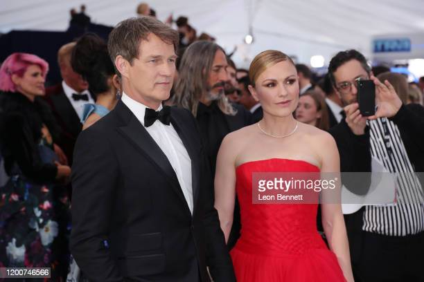 Stephen Moyer and Anna Paquin attends 26th Annual Screen Actors Guild Awards at The Shrine Auditorium on January 19 2020 in Los Angeles California