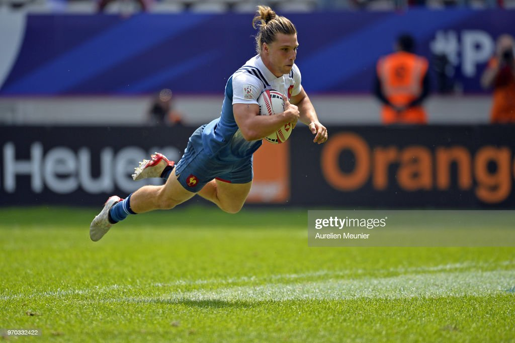 Stephen Parez of France scores a try during match between France and the United States Of America at the HSBC Paris Sevens, stage of the Rugby Sevens World Series at Stade Jean Bouin on June 9, 2018 in Paris, France.