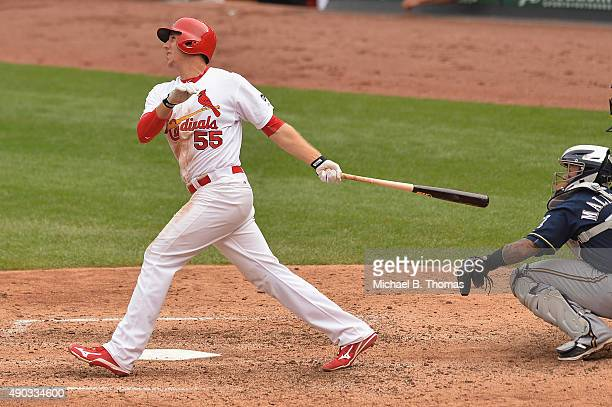 Stephen Piscotty of the St Louis Cardinals hits a solo homerun against the Milwaukee Brewers in the seventh inning at Busch Stadium on September 27...
